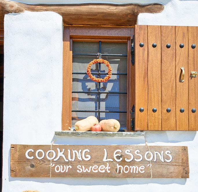 cooking-classes-pelion-gastronomy-greece karaiskos family